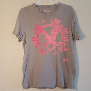 American Eagle graphic t shirt
